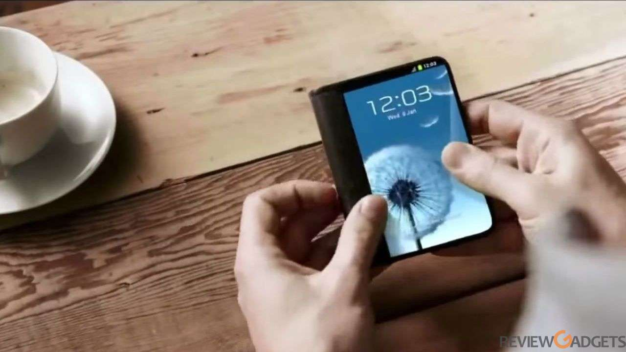 Samsung to unveil foldable smartphones