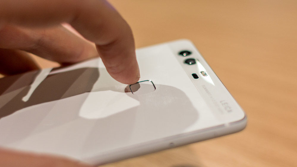 Huawei P9 Plus Review fingerprint